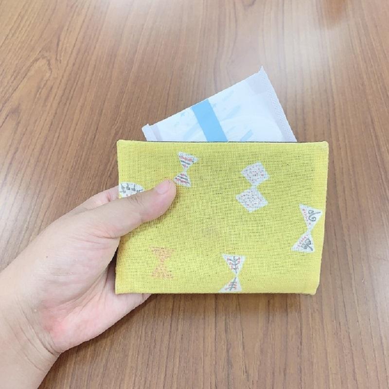 ナチュラムーン おりものシートロング (17.5cm×36個入)