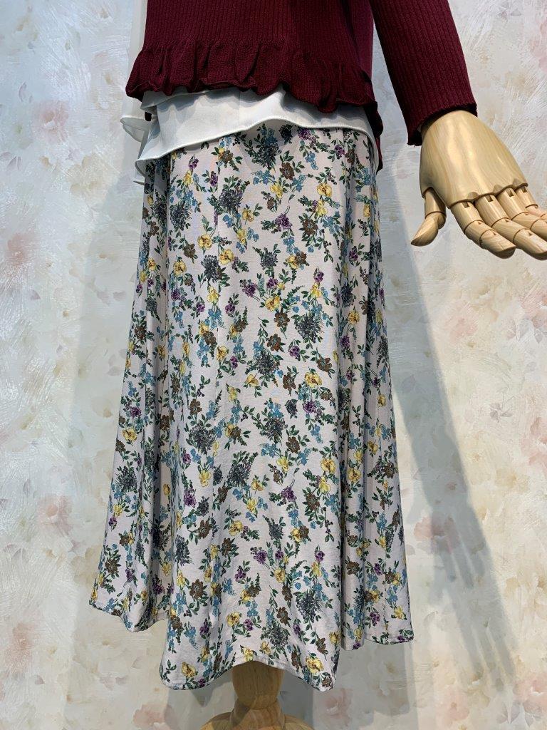 花柄プリント ミモレ丈10枚接ぎスカート(当店オリジナル)