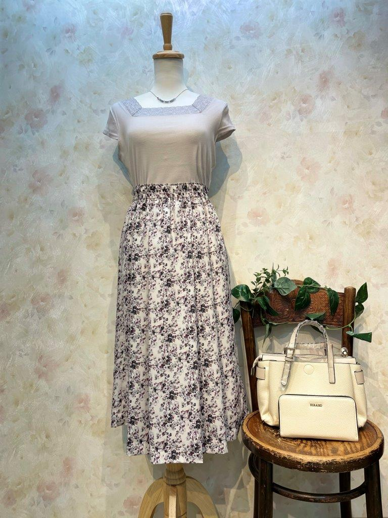 デシン小花柄タックフレアースカート(当店オリジナル)