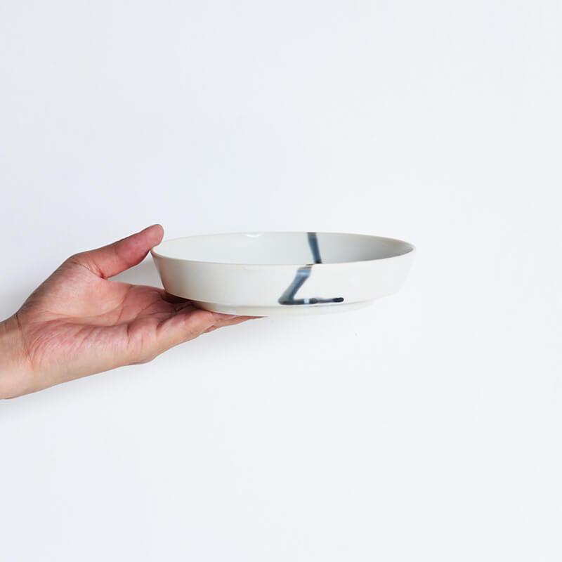 白磁杓掛け 平鉢 中