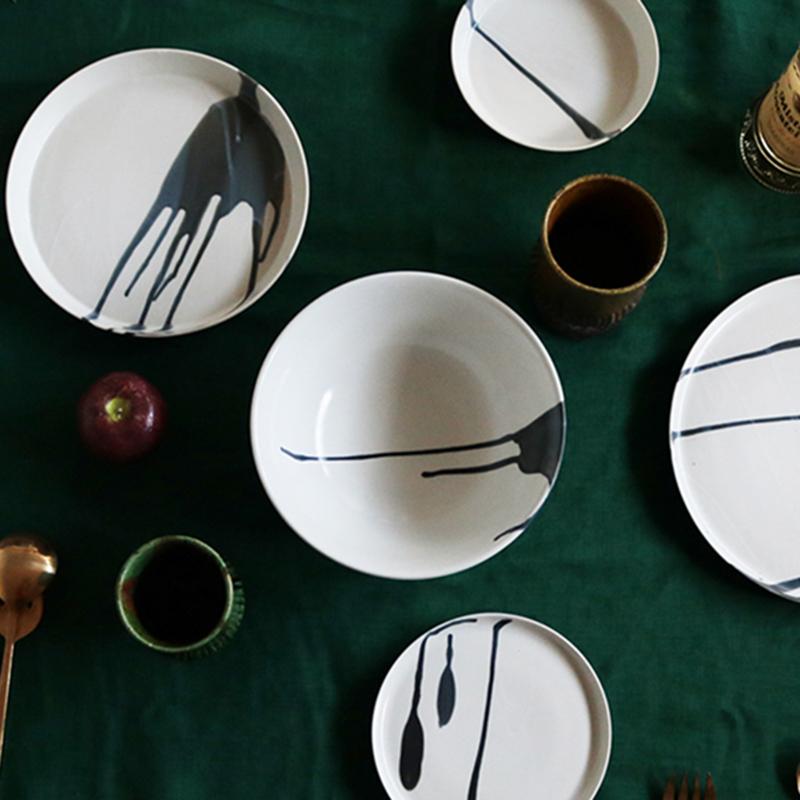 白磁杓掛け ゆり型茶碗