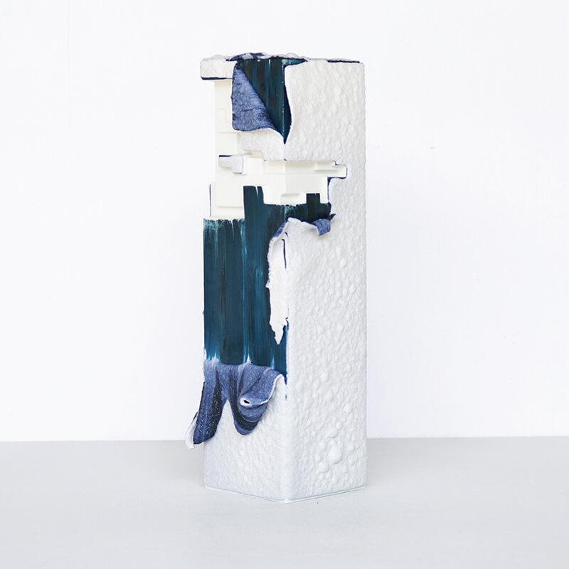 【限定生産】 ArtWork Blue & White VASE 白溶岩