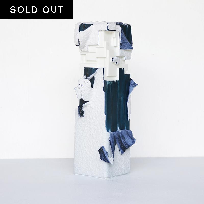 【SOLD OUT】 ArtWork Blue & White VASE 白溶岩