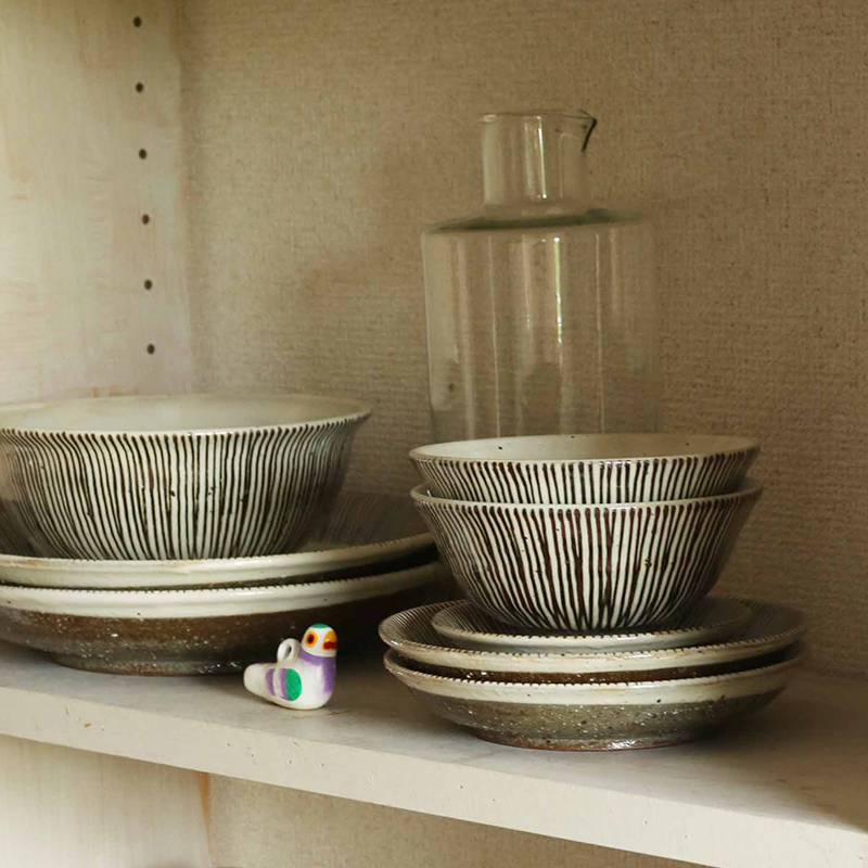 サビ十草 茶碗