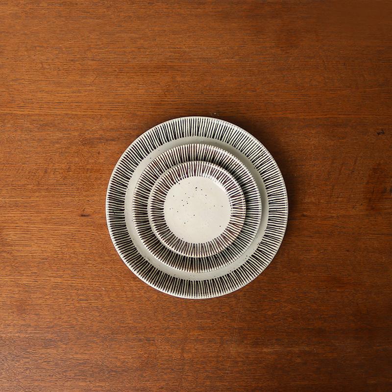 サビ十草 小皿