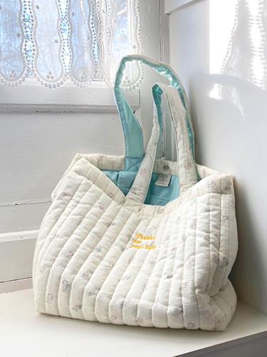 shoulder bag with bear