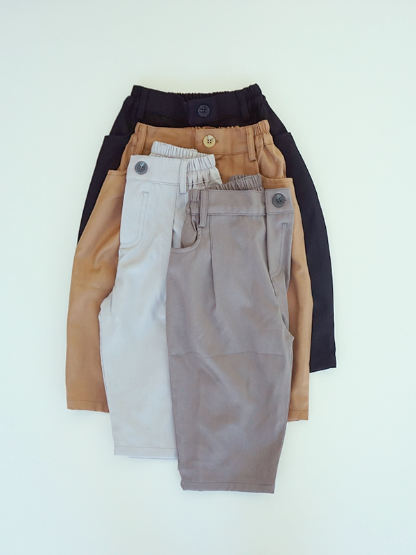 manuka honey pin tuck pants
