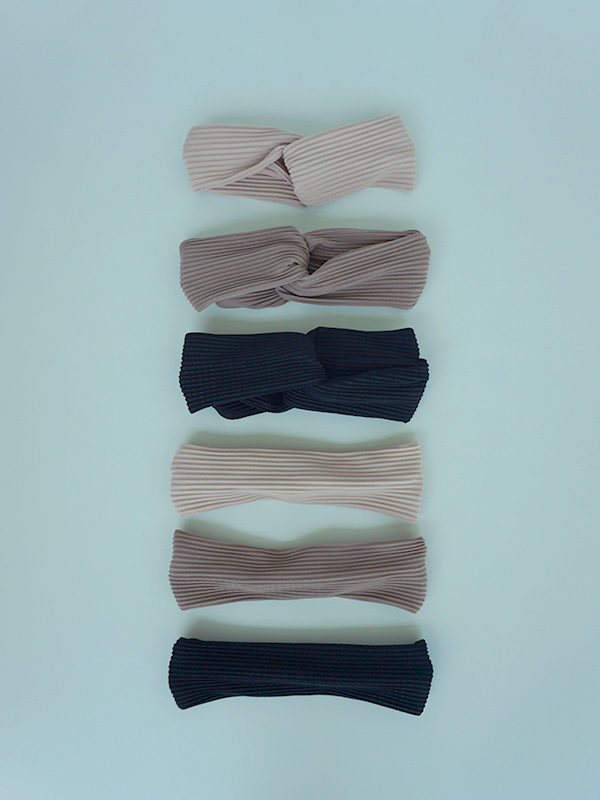 headband of pleats
