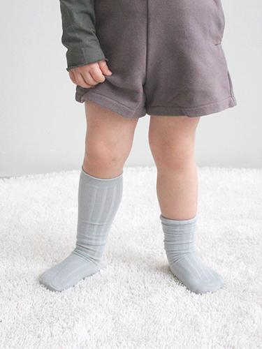 pastel knee-highs