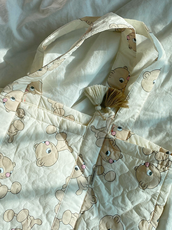 almighty tote bag QUILTING BEAR