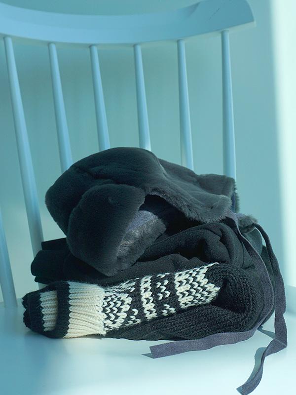 BLACK nordic knit