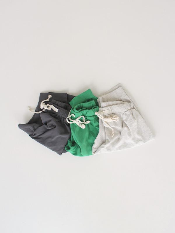 green peas ikasumi and oatmeal pants