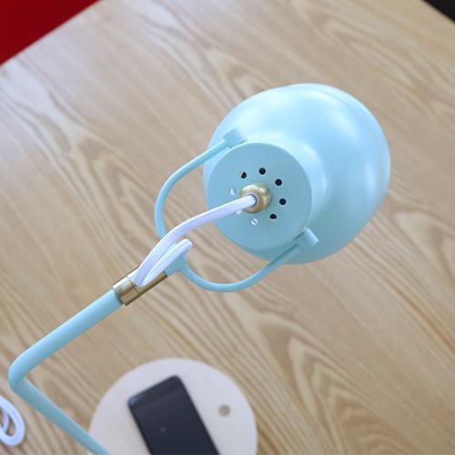 テーブルタッチセンサーランプ ワイヤレス充電機能付き WH 20930