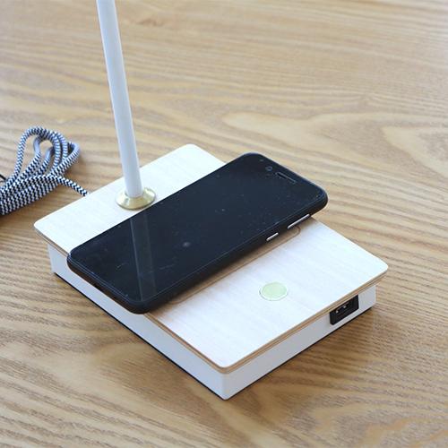 テーブルタッチセンサーランプ ワイヤレス充電機能付き BK 20936