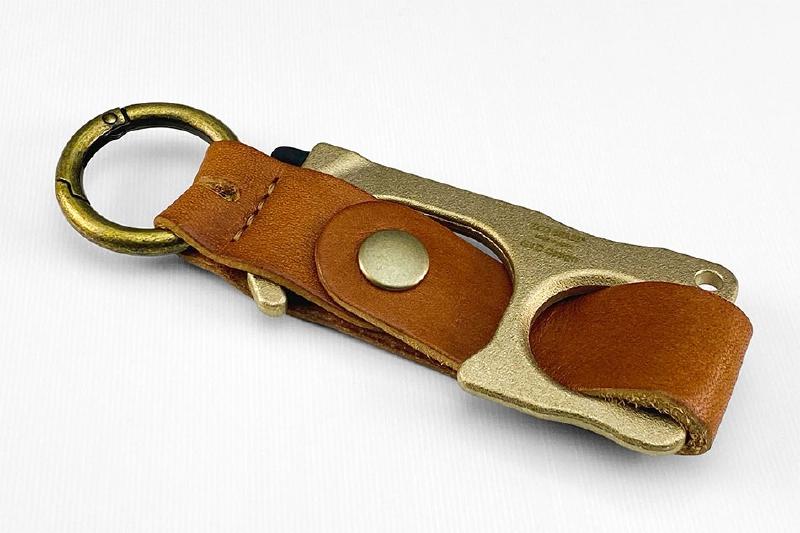 RUBATO&CO.  ルバートアンドコー<BR>GILD design エコブラス(R)製 鍛造アシストフック専用<BR>栃木レザーストラップ<BR>《ブラウン》<BR>GM-353
