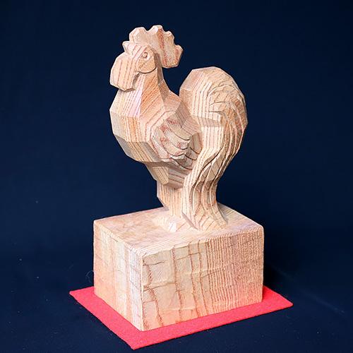 招福「鶏」  素材:欅