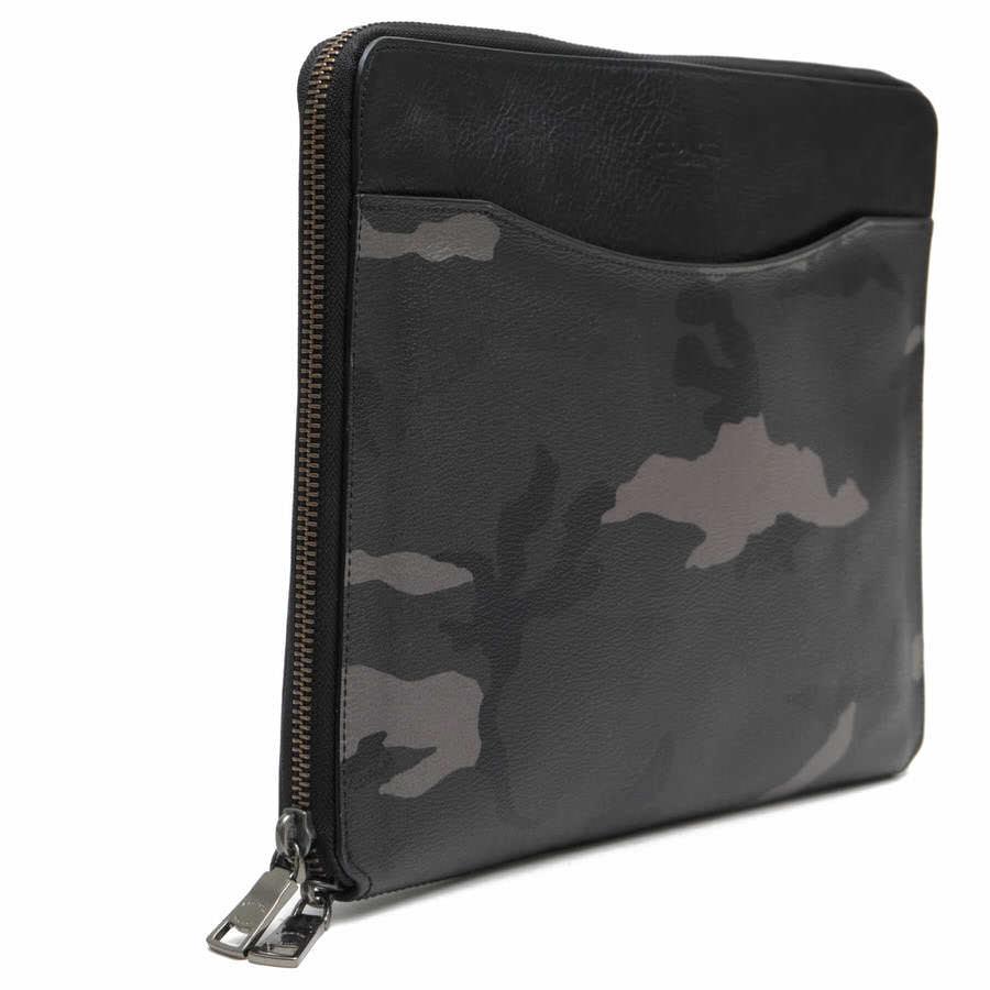 セカンドバッグ/クラッチバッグ COACH F64427 TECH CASE IN CAMO PRINT COATED CANVAS タブレットケース iPad収納 / コーチ PVCコーティングキャンバス 迷彩・カモフラージュ柄 オリーブ・カーキ メンズ PVC×レザー