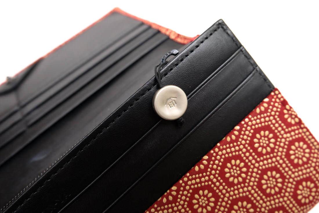INDEN-YA 亀甲柄 / 印傳屋 印伝 鹿革 漆塗り 長財布 小銭入れあり レッド 赤 日本製 レザー レディース