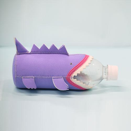 デンジャラス ペットボトルカバー Dinoパープル
