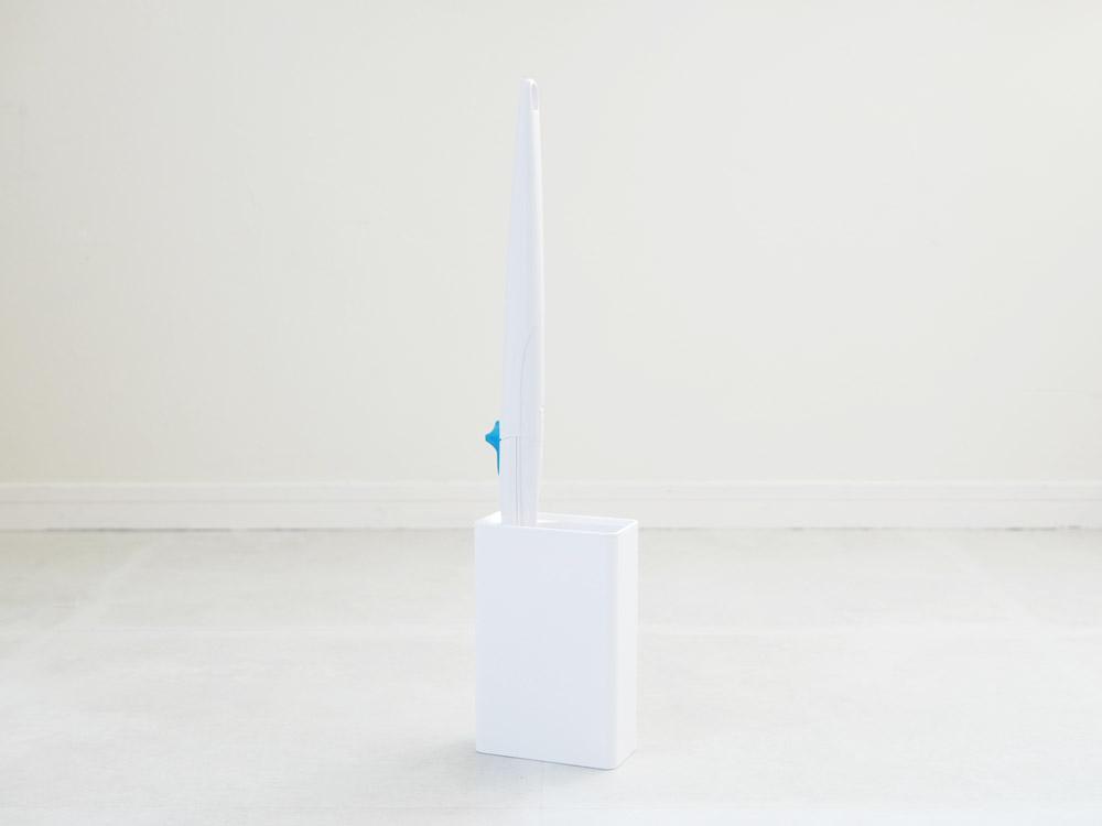 【tower】流せるトイレブラシスタンド ホワイト