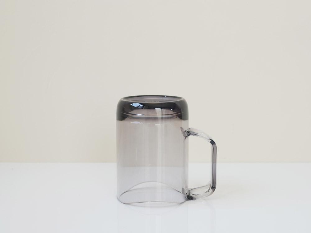 【like-it】水が切れるスタンドマグ グレー