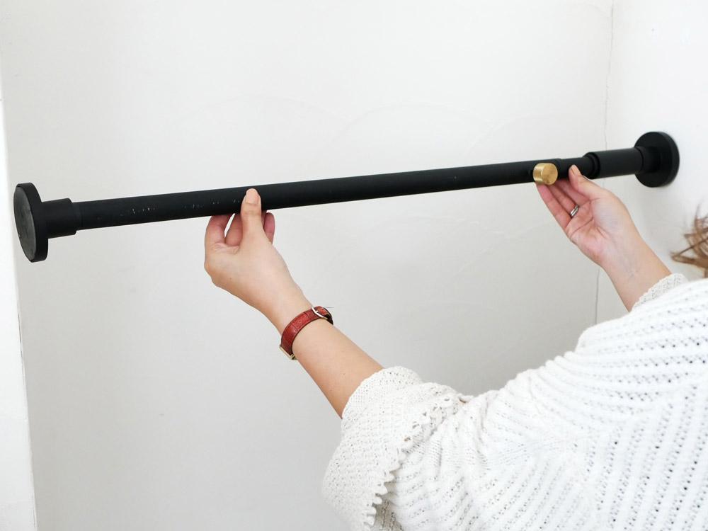 【DRAW A LINE】001 Tension Rod A ブラック