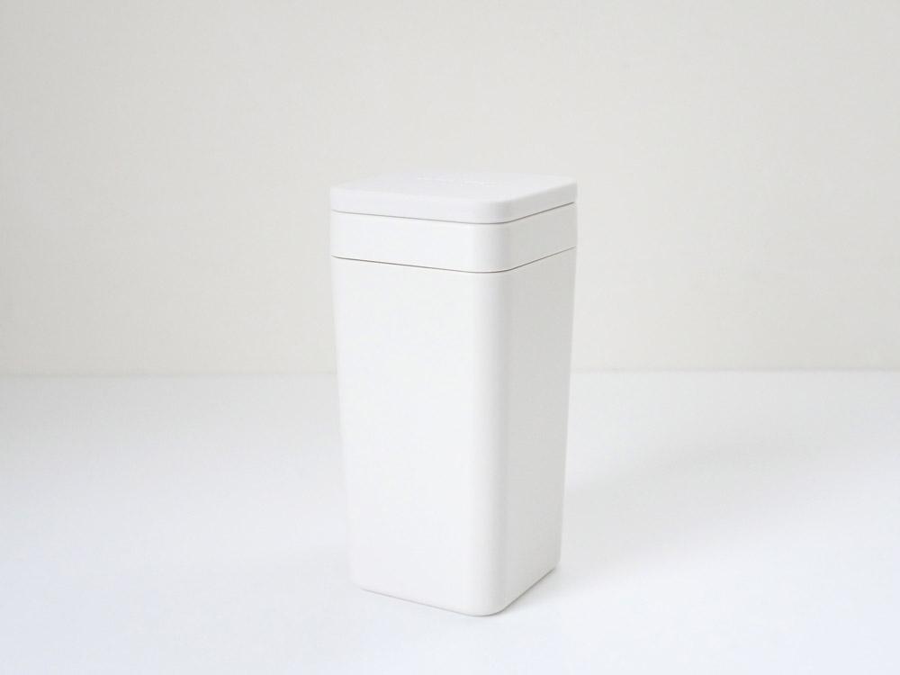 【B2C】 ウェットティッシュスタンド シリコン蓋 /ホワイト