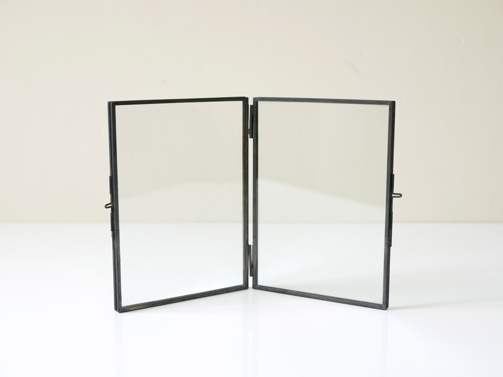 【POSH LIVING】 ガラスフレーム  スタンドダブル  ブラック