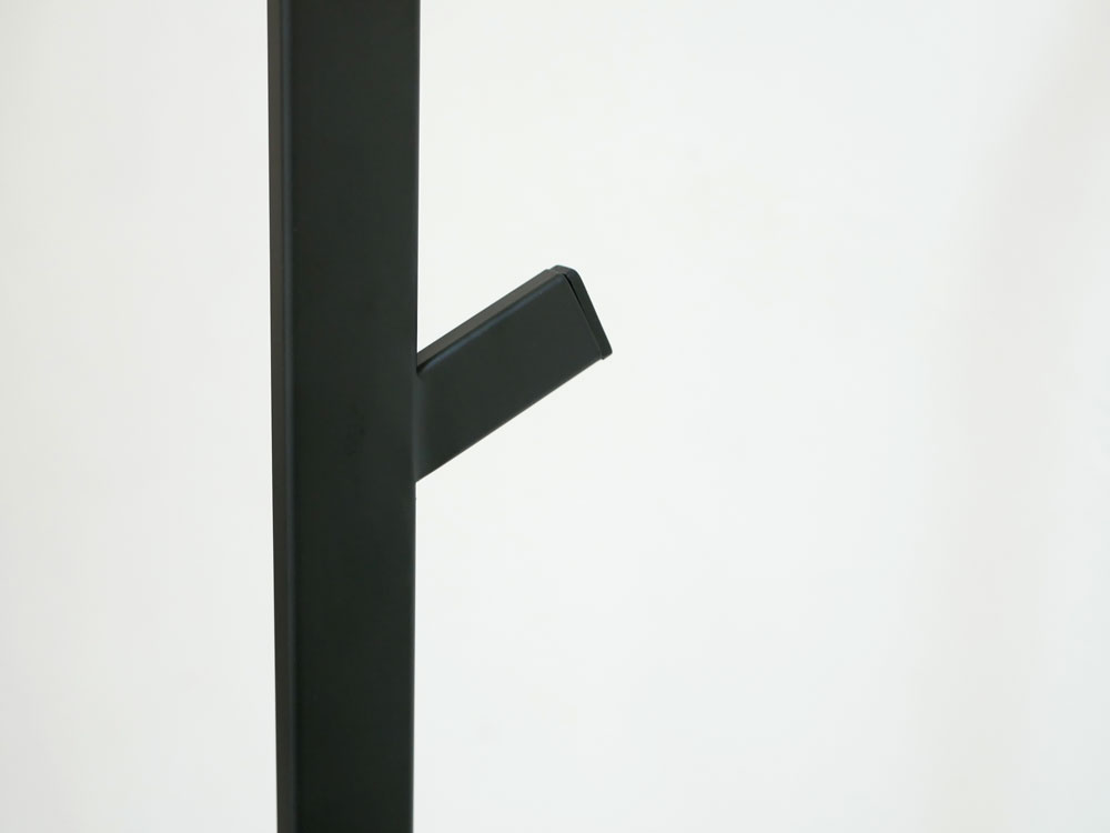 【LINE】スリムコートハンガー ブラック