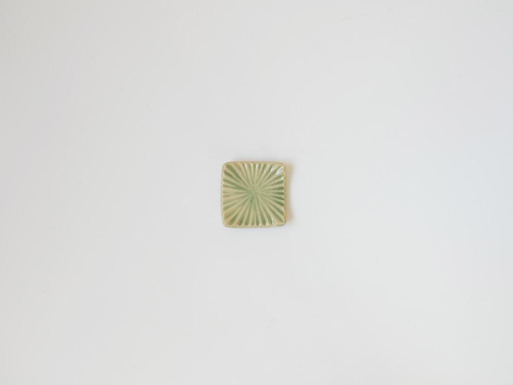 【俊峰陶苑】花あかり 角箸置/もえぎ