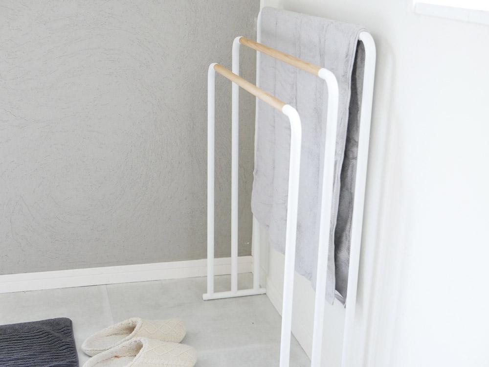 【tosca】横から掛けられるバスタオルハンガー 3連 ホワイト