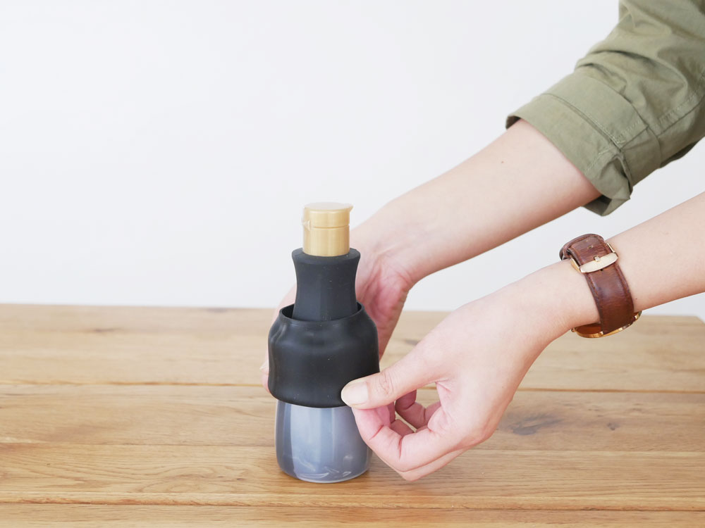 【tower】卓上醤油ボトルカバー ブラック