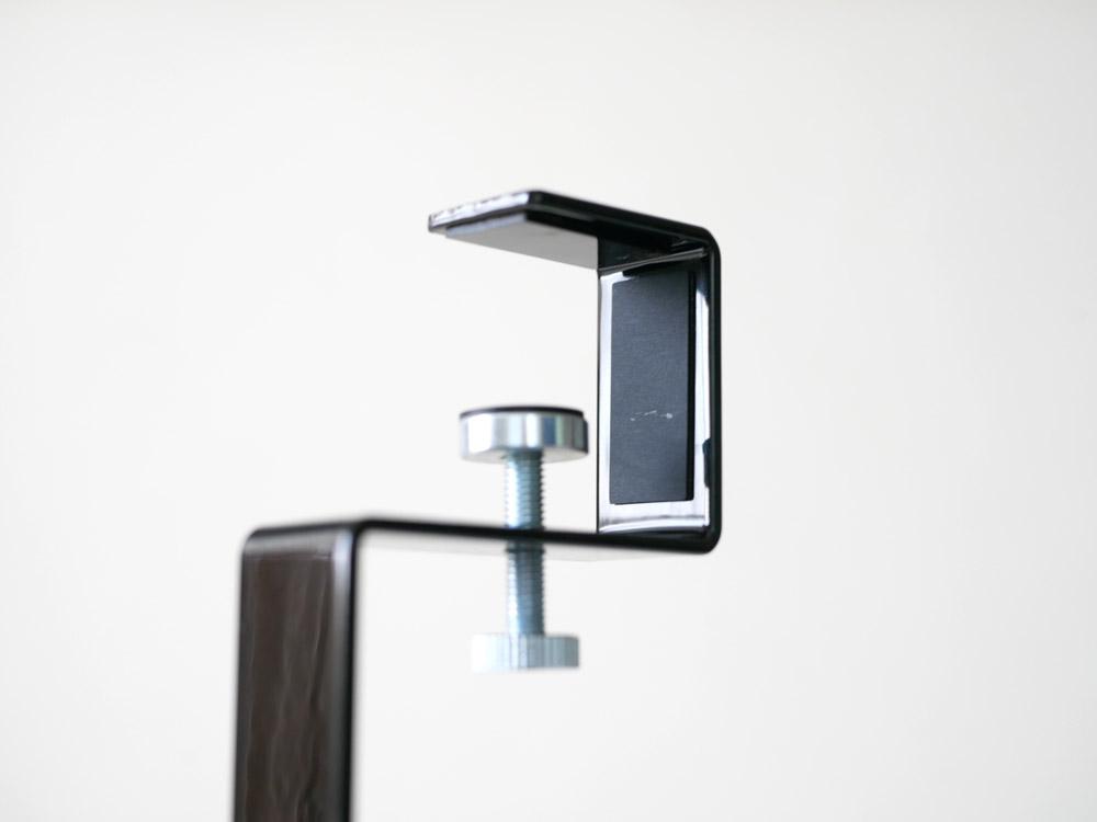 【tower】 洗面戸棚下ブラシホルダー  ブラック