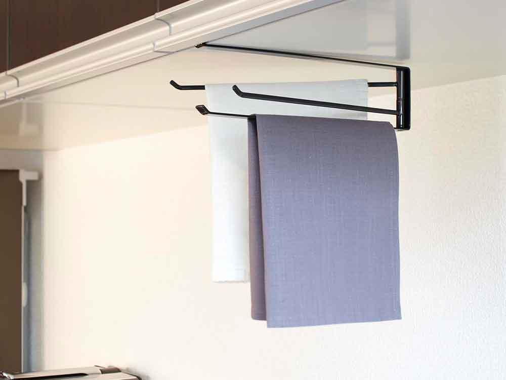 【tower】戸棚下布巾ハンガー ブラック
