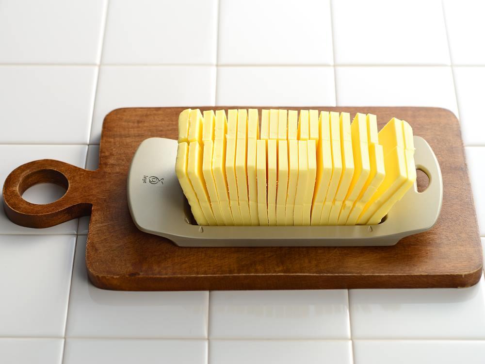【AUX】leye ワイヤーでスーっと切れるバターカッター