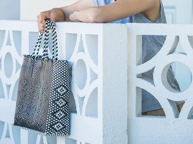 【POSH LIVING】WOVEN BAG ホワイト