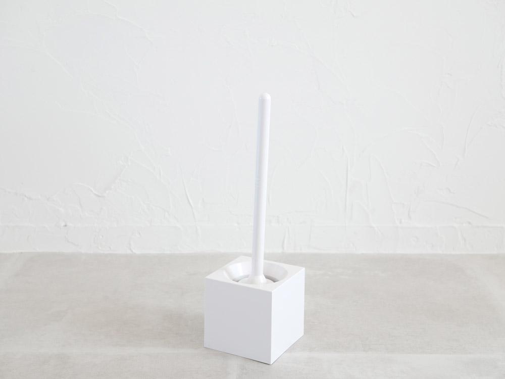 【MARNA】トイレブラシ ケースツキ ホワイト( W-061WW)