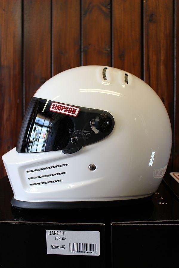 ☆シールドサービス☆シンプソン(SIMPSON) ヘルメット BANDIT  バンディト ホワイト
