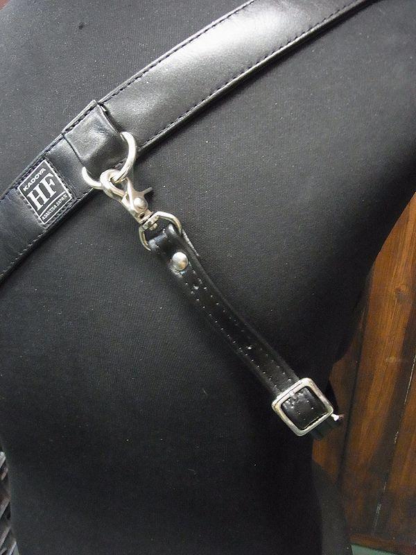 KADOYA×Historyコラボ HFG/SHOULDER BAG-PTD ヘッドファクトリーショルダーバッグ・パテッド ゴートのレッド 専用ハーネス付き