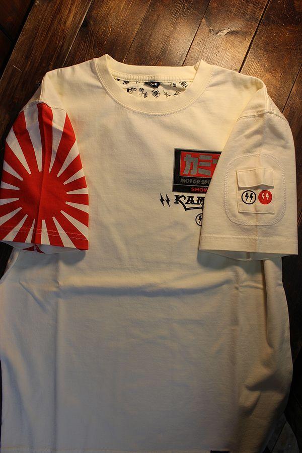 エフ商会 カミナリ KMT-218  IN THE WORLD,5 KAMINARI KATANA カミナリモータース ヨシムラ 1135R カタナ Tシャツ オフホワイト