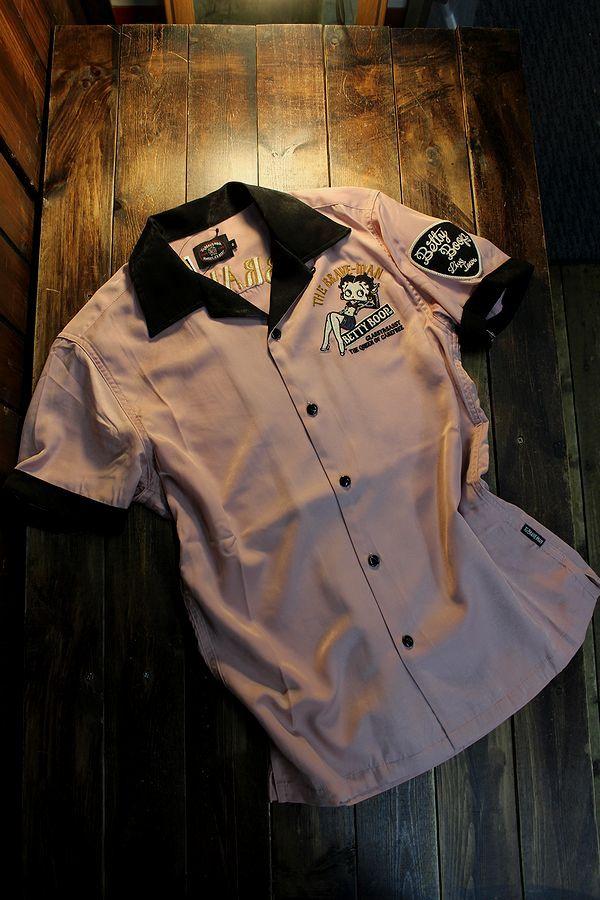 The BRAVE-MAN×BETTY BOOP ベティ BBB-2122 レーヨン半袖開襟シャツ ギター ピンク