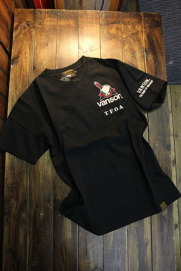 VANSON×CROWS×WORST 武装戦線 コラボ CRV-2111 天竺半袖Tee デスラビット 刺繍・ツイルプリント貼り付け ブラック