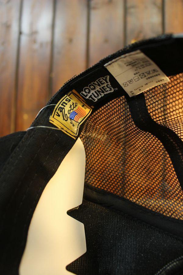 VANSON×Looney Tunes バンソン×ルニーテューンズ トゥイーティ LTV-2114 ツイルメッシュキャップ 刺繍 ブラック