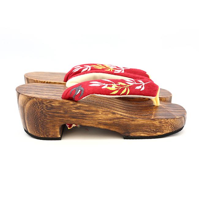 和装小物/ピドヒール下駄/ツバメ柳刺繍×茶/たくさん歩いても疲れない特殊な加工付き/カジュアル/浴衣、小紋、紬とあわせて/通販