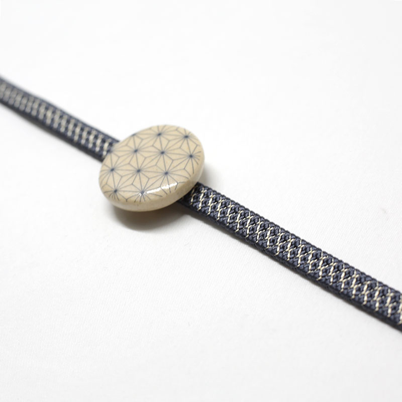 三分紐/和装小物/グレー/亀甲筋/カジュアル/小紋や紬に/日本製/絹100%/通販