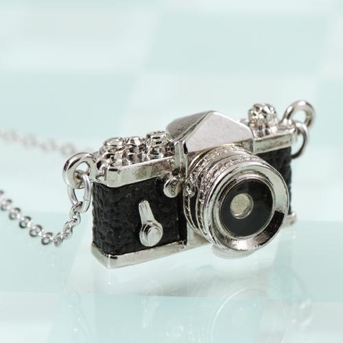 ミニチュアカメラネックレス 一眼レフタイプ ブラック