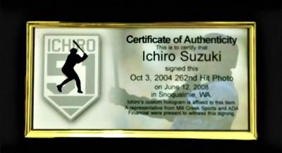 イチロー・トリプル直筆サイン)MLB年間最多262安打新記録達成記念 フォトフレーム