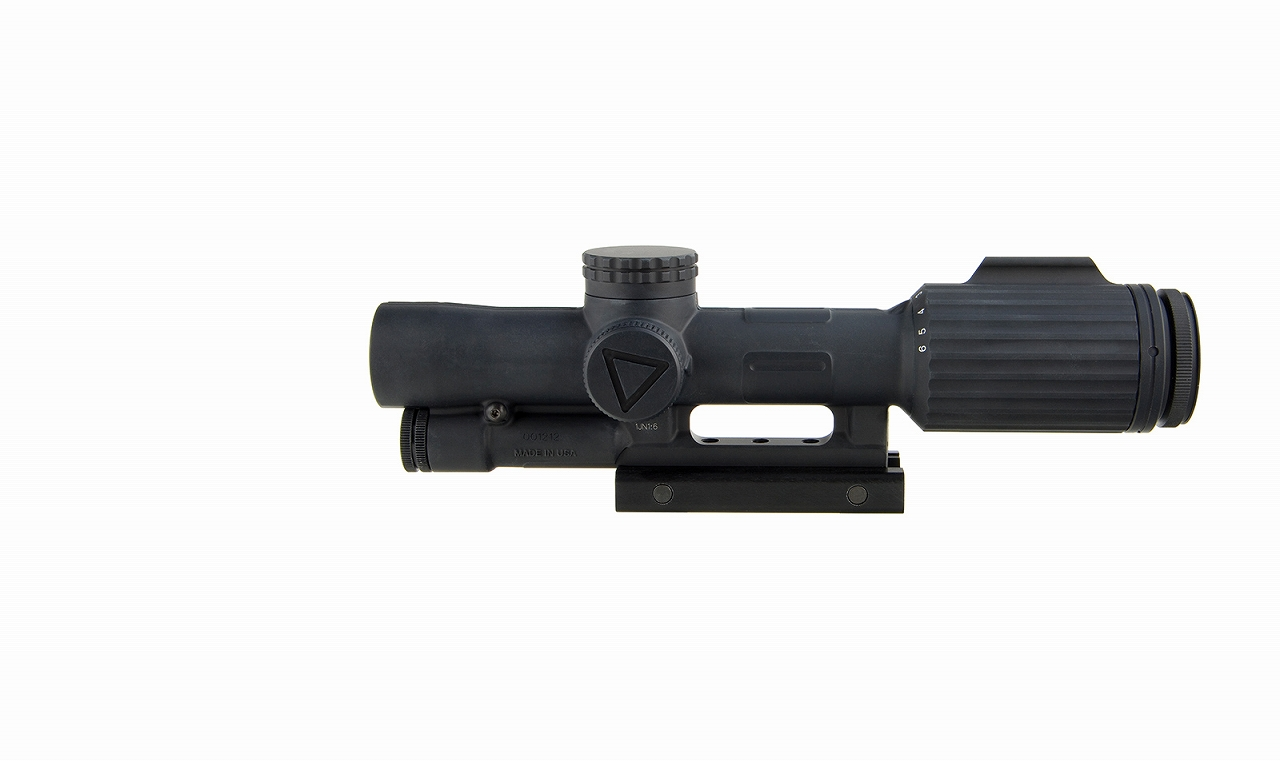 Trijicon VCOG® 1-6x24 LED ライフルスコープ - MIL