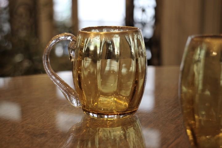 ルグラ 金彩 黄色いウランガラスのマグ 1899年頃 4193