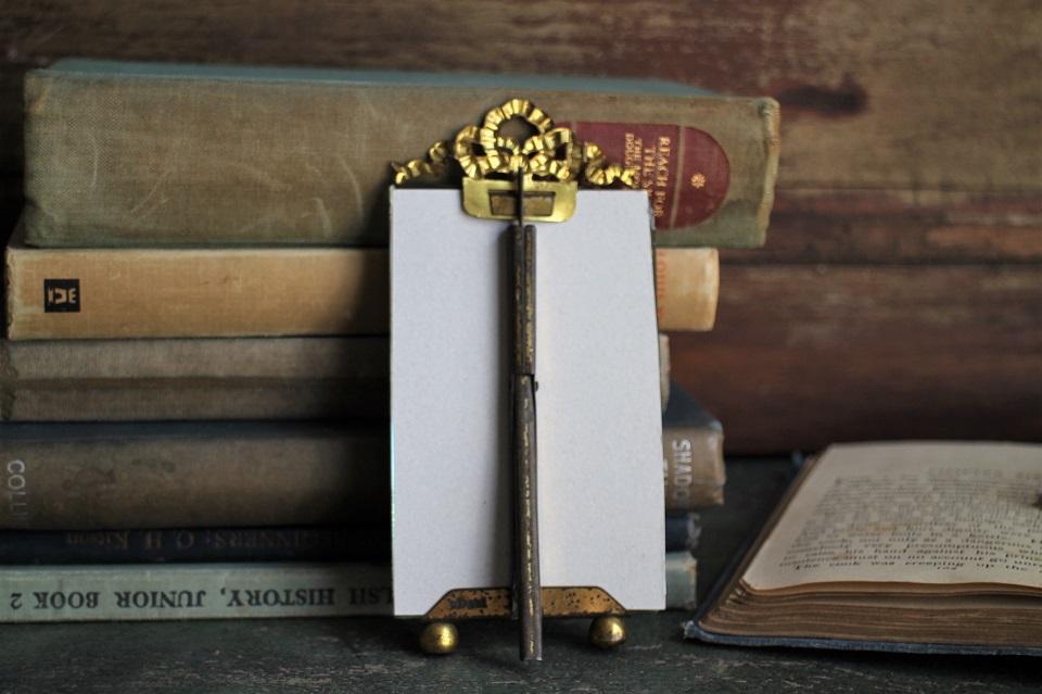 フランス 真鍮リボンモチーフの小さなフォトフレーム 3255